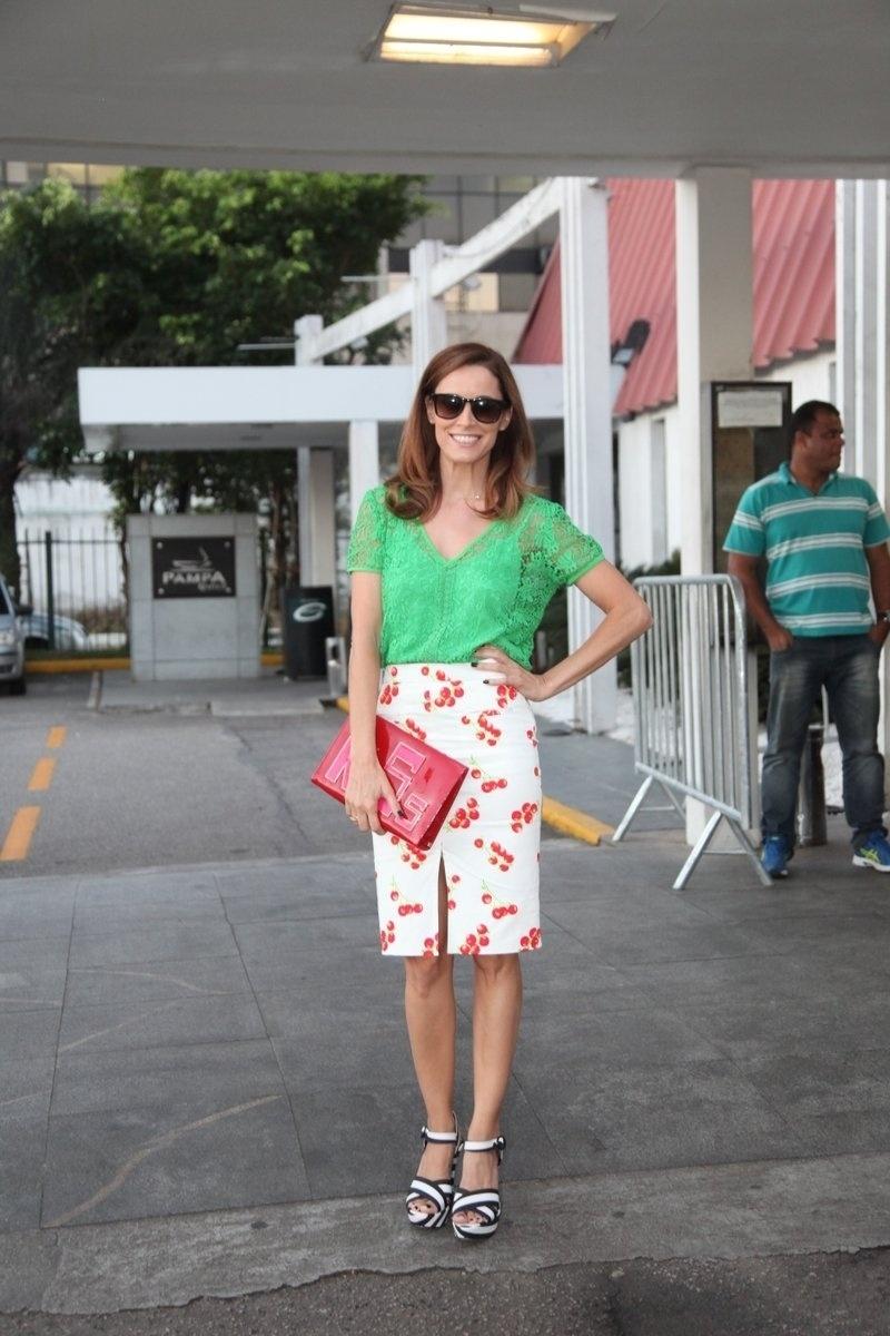 4.ago.2014 - A atriz Maria João se reuniu com o elenco de