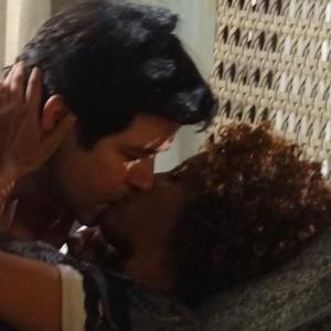 Jonas e Verônica têm noite de amor