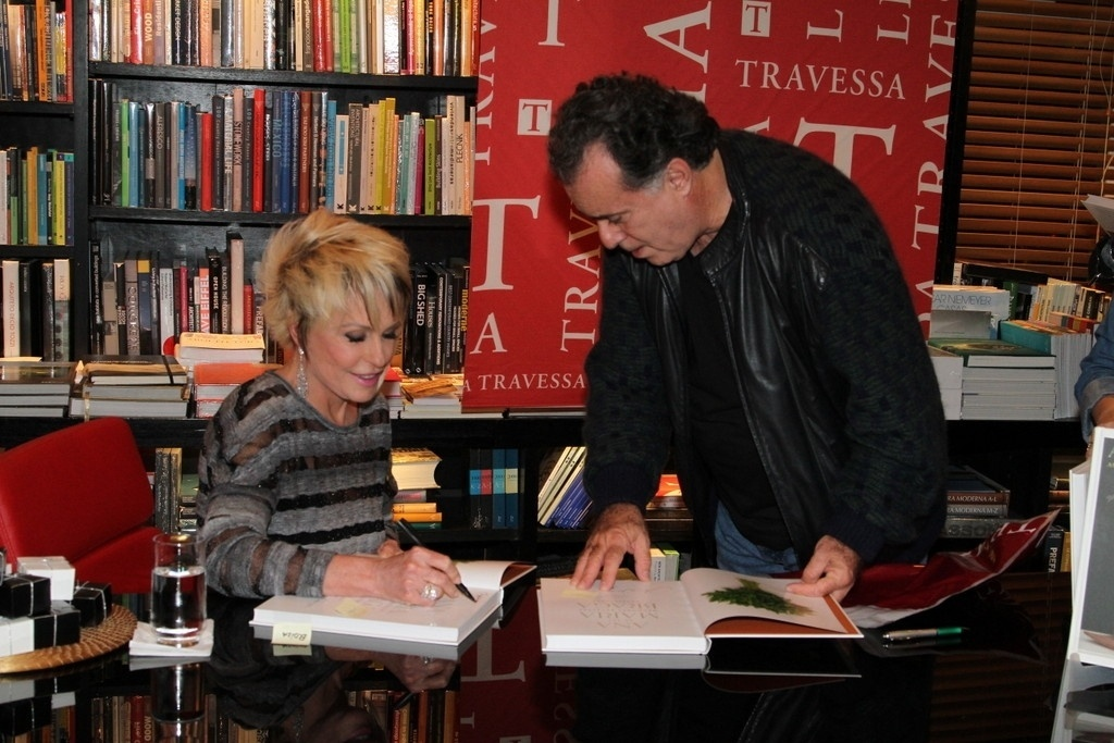 5.ago.2014 - Tony Ramos prestigiou a noite de autógrafos do livro