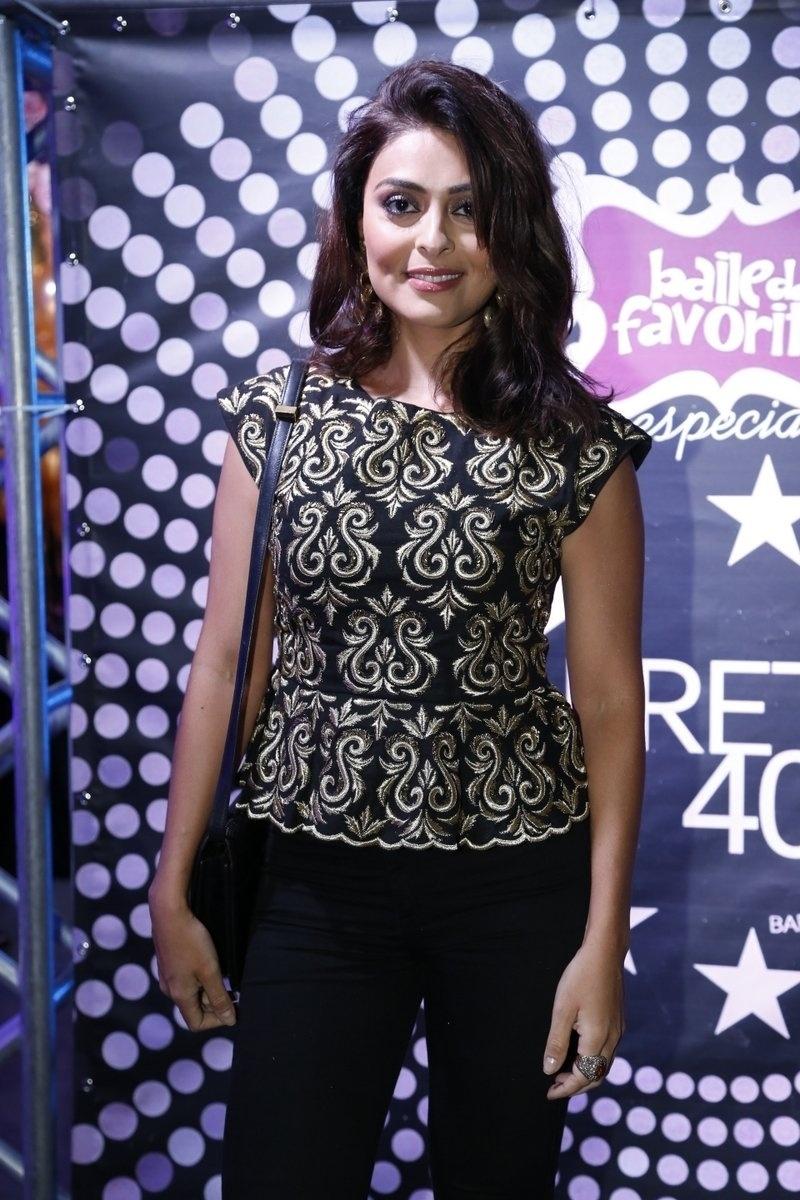 7.ago.2014 - A atriz Juliana Paes vai ao aniversário de 40 anos da cantora Preta Gil no baile