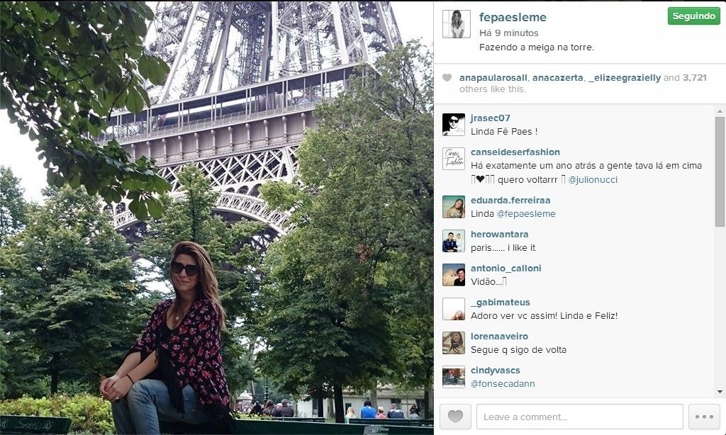 9.ago.2014 - Fernanda Paes Leme curte dias de folga em Paris. A atriz posou em frente à Torre Eiffel e disse