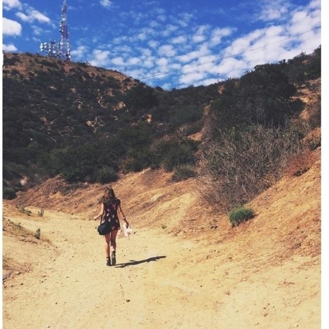 12.ago.2014- Bruna, que completou 19 anos no último dia 4, viajou para Los Angeles com amigos e não esconde que está muito feliz