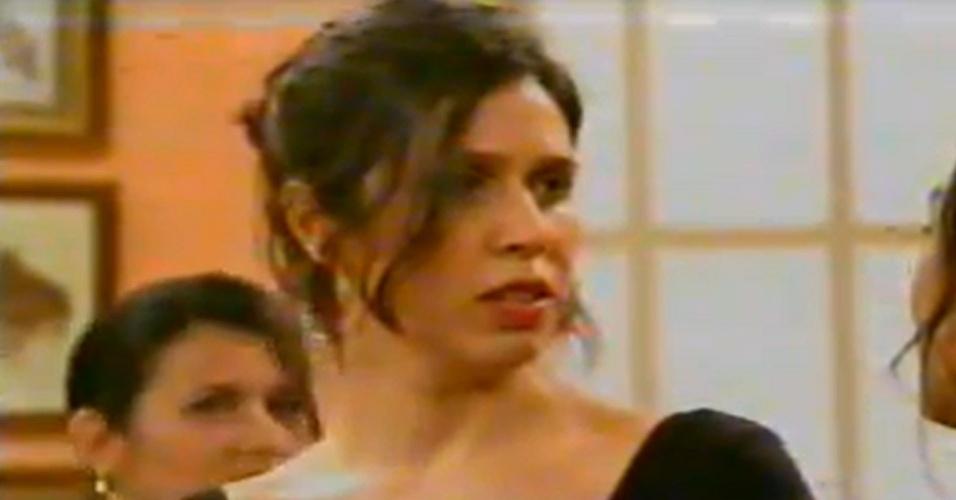 """Maria Clara Gueiros viveu Laura no """"Zorra Total"""" de 2004"""