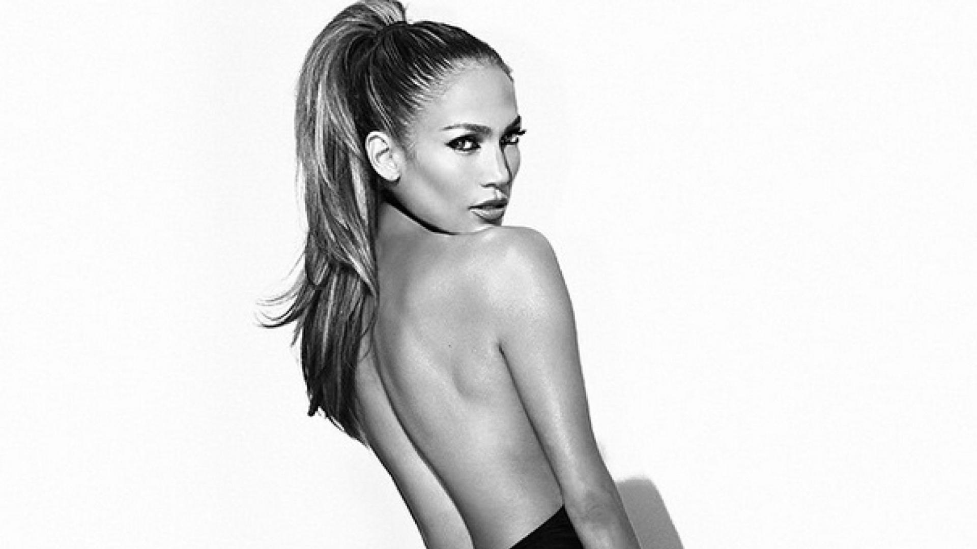 13.ago.2014 - Jennifer Lopez divulga arte de capa de seu novo single com Pitbull, intitulado