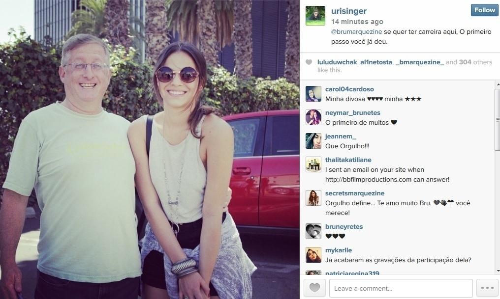 14.ago.2014 - O produtor Uri Singer divulgou uma imagem ao lado de Bruna Marquezine