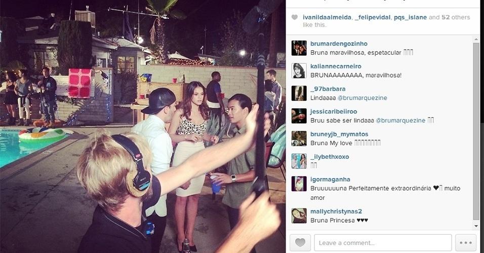 15.ago.2014 - Em foto postada nesta madrugada no Instagram do produtor Uri Singer, Bruna Marquezine aparece recebendo os últimos retoques para filmar o longa
