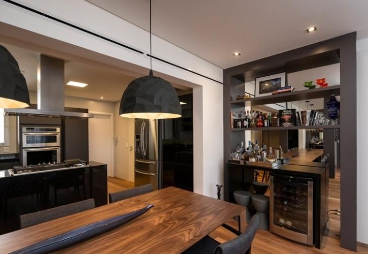 Sala De Jantar Gourmet ~ sala de jantar têm acabamentos em tons de cinza Para o projeto de