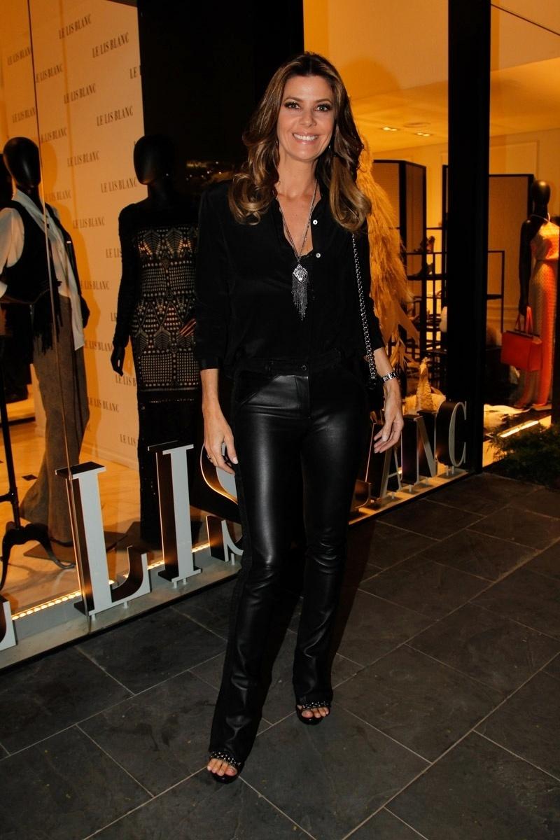 22.ago.2014 - Fabiana Scaranzi prestigiou o lançamento da nova coleção de uma grife feminina. O evento aconteceu no bairro dos Jardins, em São Paulo