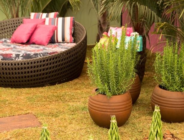 A paisagista Jaíce Di Prospero Blasques criou um ambiente para um Chá de Bebê, porém, este cantinho de descanso pode fazer parte do jardim da sua casa. Na composição, destaque para os