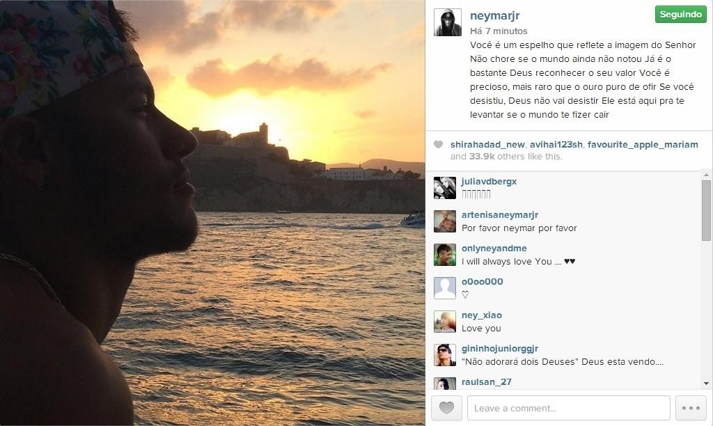 27.ago.2014 - Neymar filosofa no Instagram diante de uma paisagem na Espanha.
