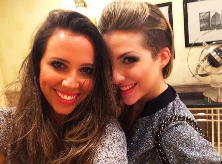 Angelis posta foto com Clara em seu Twitter e revolta fãs da torcida Clanessa