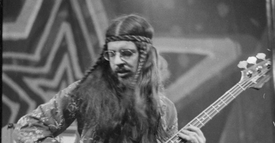Músico Glenn Cornick, baixista da formação original da banda Jethro Tull,