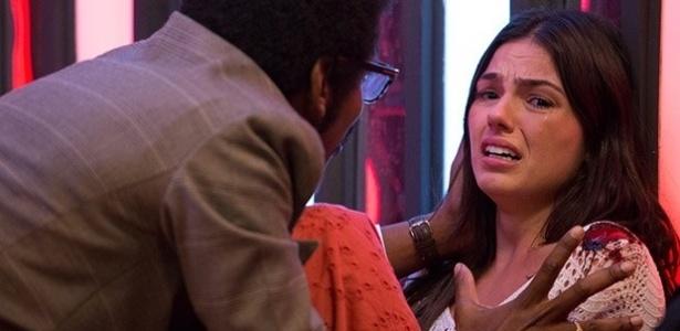 Sandra leva um tiro ao deixar a discoteca Boogie Oogiie