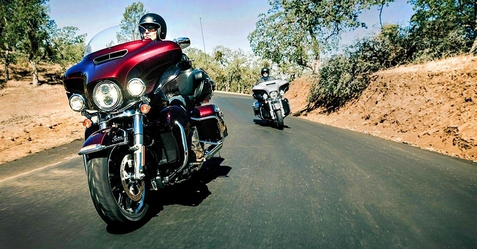 """Harley-Davidson Ultra Classic e Limited """"Low"""" 2015"""