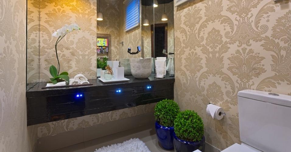 decoracao em lavabos:Cláudia Zócoli assinam o Lavabo. No ambiente com decoração em