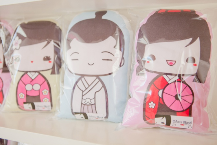 decoracao festa kokeshi:Boneca japonesa dá toque oriental e delicado à festa de aniversário