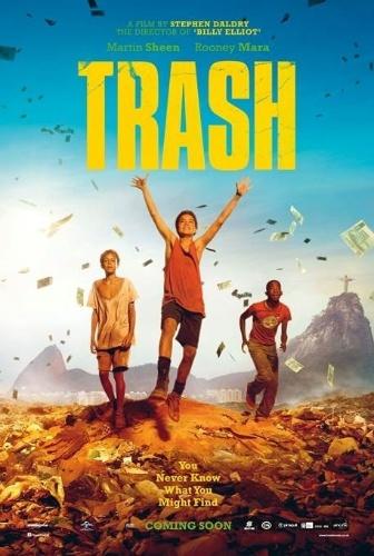 """Cartaz de """"Trash: A Esperança Vem do Lixo"""""""