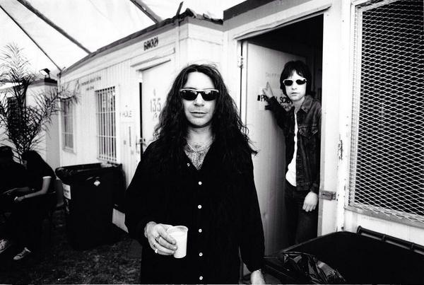 Robert Young, ex-guitarrista do Primal Scream, morreu em Hove, na Inglaterra