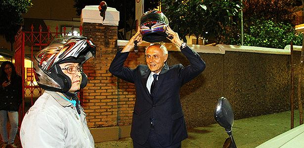 Valdo Rodrigues, ex-motoboy e empresário, coloca Suplicy na garupa há 12 anos