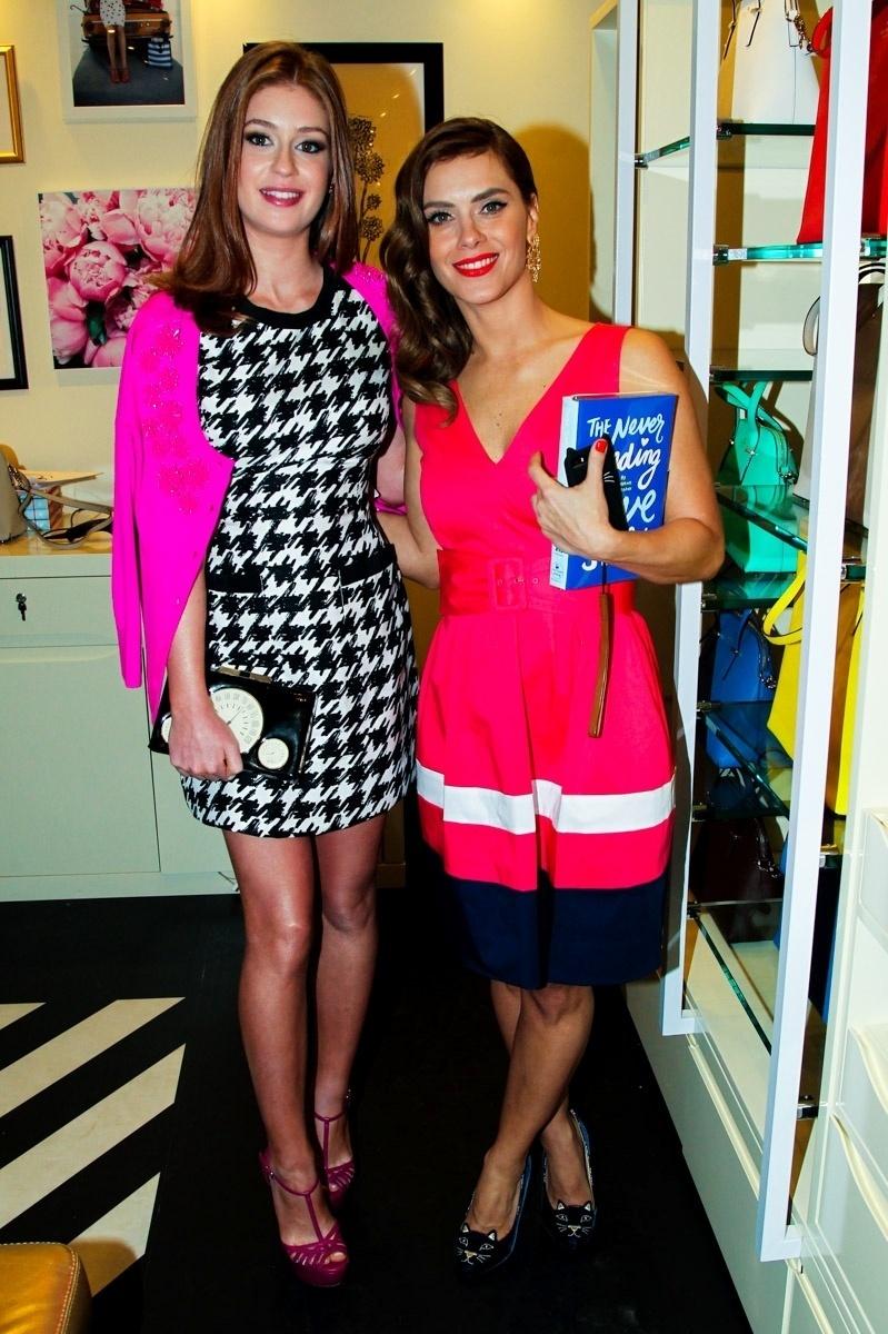 25.set.2014 - Marina Ruy Barbosa e Carolina Dieckmann se encontram na festa de inauguração de uma loja no Shopping Cidade Jardim, no Morumbi, na zona sul de São Paulo, nesta quinta-feira