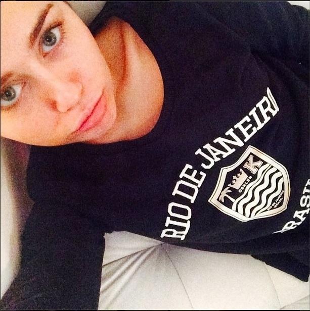 29.set.2014 - Miley Cyrus publica foto em homenagem ao Rio