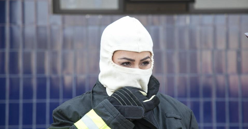 Sabrina Sato passa por treinamento no Corpo de Bombeiros, em São Paulo