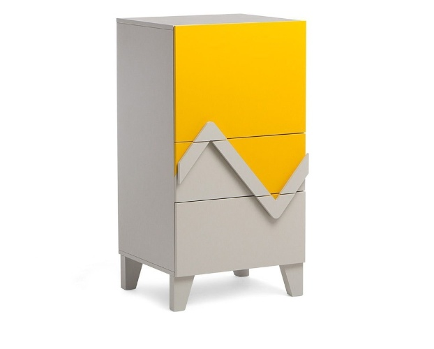 sapateira Colors possui um nicho com prateleiras e duas gavetas. O ...