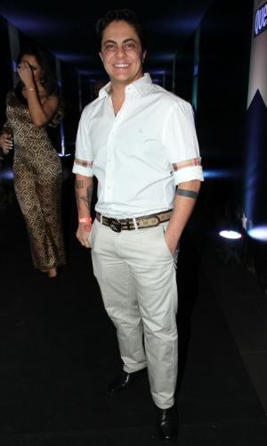 7.out.2014 - Thammy Miranda mostra seu estilo na festa de 14 anos da revista
