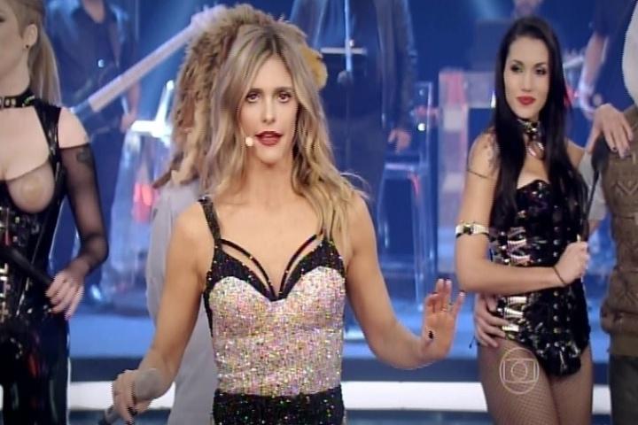 """9.out.2014 - Cantando e dançando, Fernanda Lima estreia a nova temporada do """"Amor & Sexo"""", na noite desta quinta-feira"""