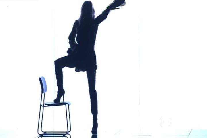 """9.out.2014 - Fernanda Lima estreia a nova temporada do """"Amor & Sexo"""" com um striptease na noite desta quinta-feira"""