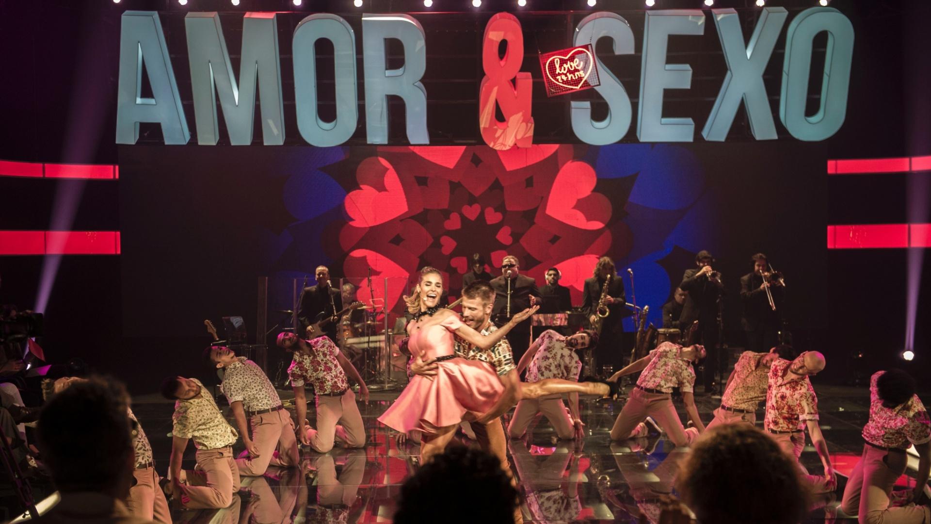 Fernanda Lima e Rodrigo Hilbert empolgaram a plateia com um musical