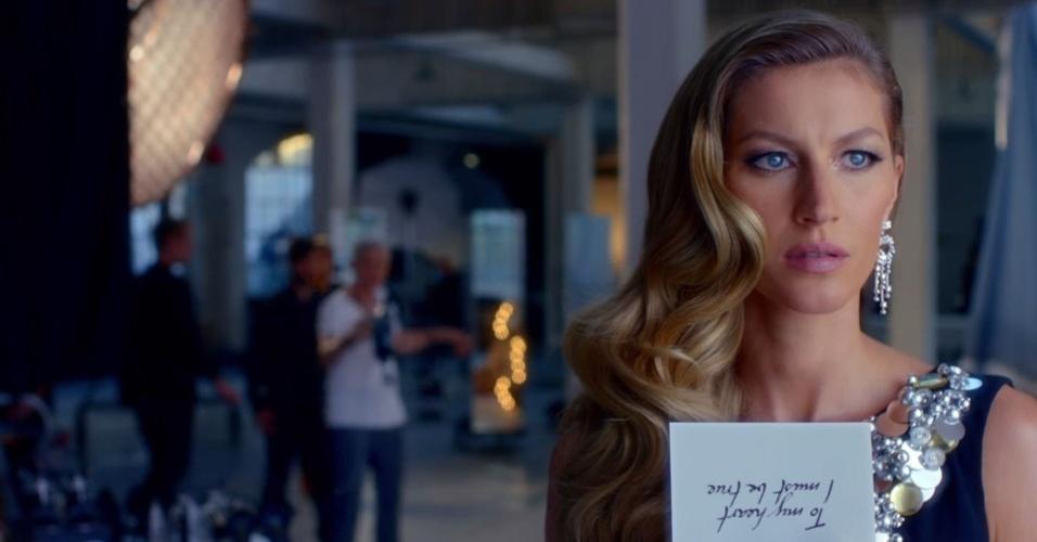 Chanel divulga nova campanha do perfume Chanel nº5 com Gisele Bündchen