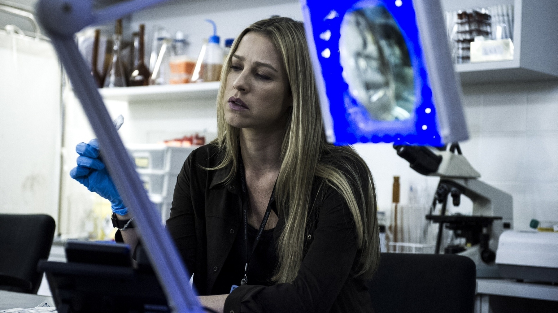 12.set.2014 - Vera (Luana Piovani), a psicóloga forense de