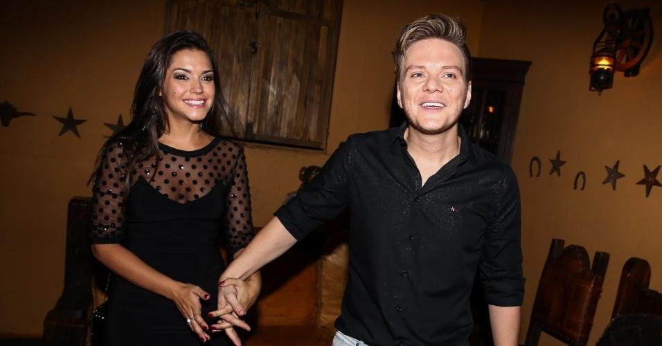16.out.2014 - Em São Paulo, Michel Teló e Thais Fersoza aparecem juntos pela primeira vez após casamento, que aconteceu na última terça-feira (14)