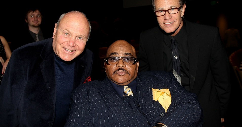 26.jan.2010 - Tim Hauser (esq), Solomon Burke e Alan Paul comparecem a evento do Grammy em homenagem ao jazz, em Los Angeles