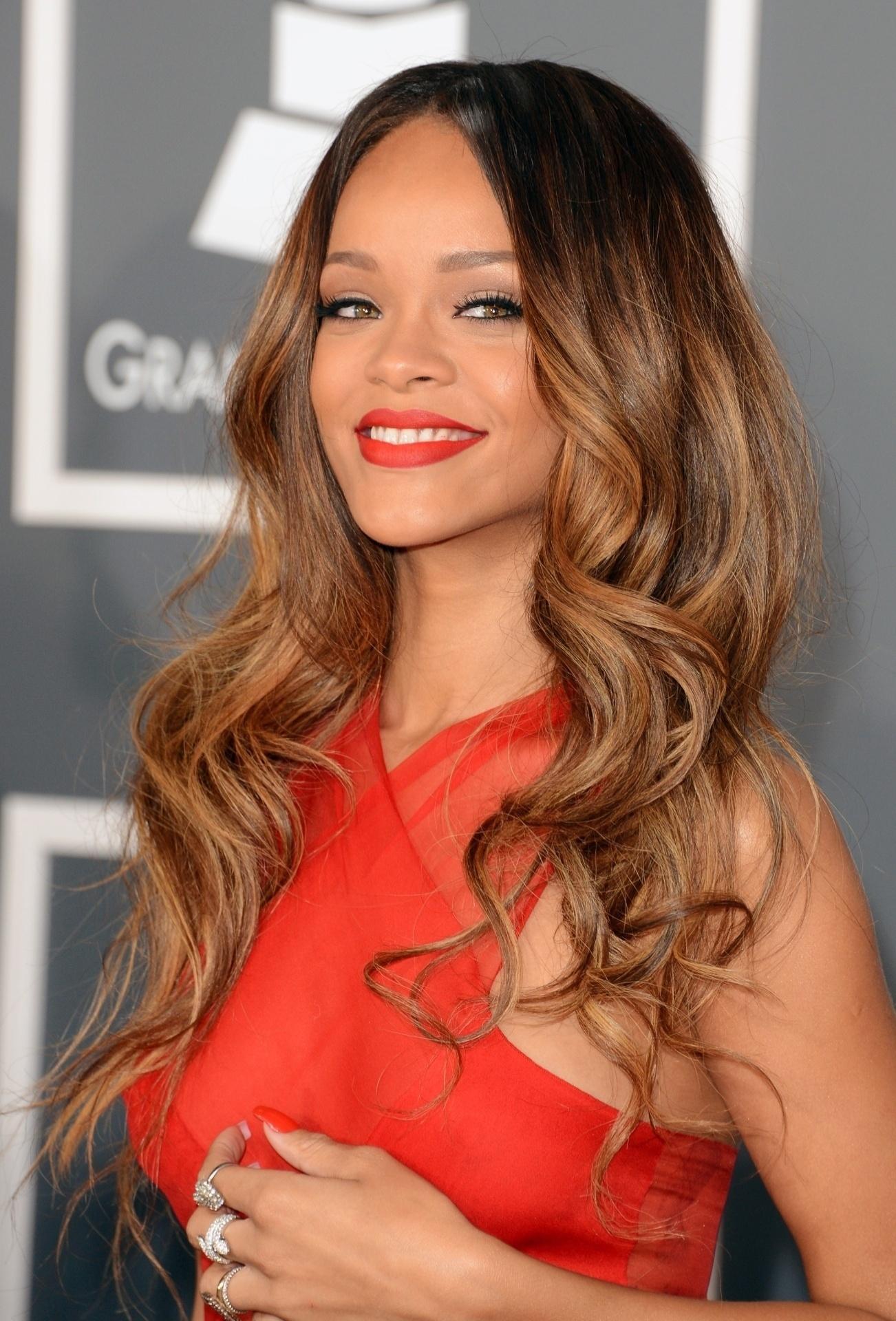 Rihanna usou o charme caribenho e a voz potente para se tornar inesquecível no mundo pop. Nome completo: Robyn Rihanna Fenty.