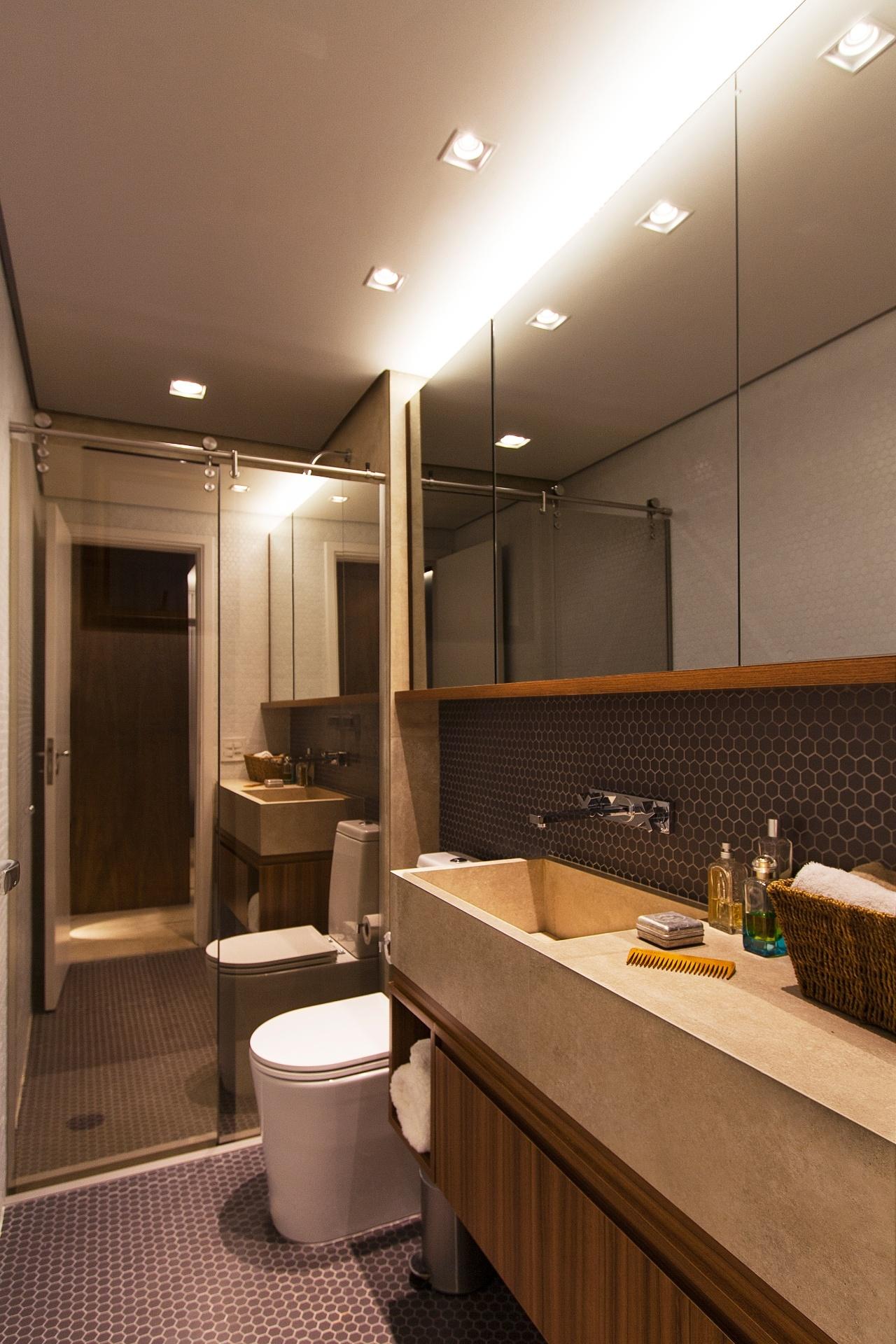 Inspire se em projetos de arquitetura e decoração para casas BOL  #C47E07 1280x1920 Banheiro Com Porcelanato De Madeira