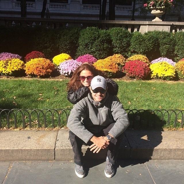 3.nov.2014 - Giovanna Antonelli e o marido Leonardo Nogueira já estão em Nova York. A atriz pretende passar um mês na cidade para fazer cursos de atuação e assistir a algumas peças da Broadway