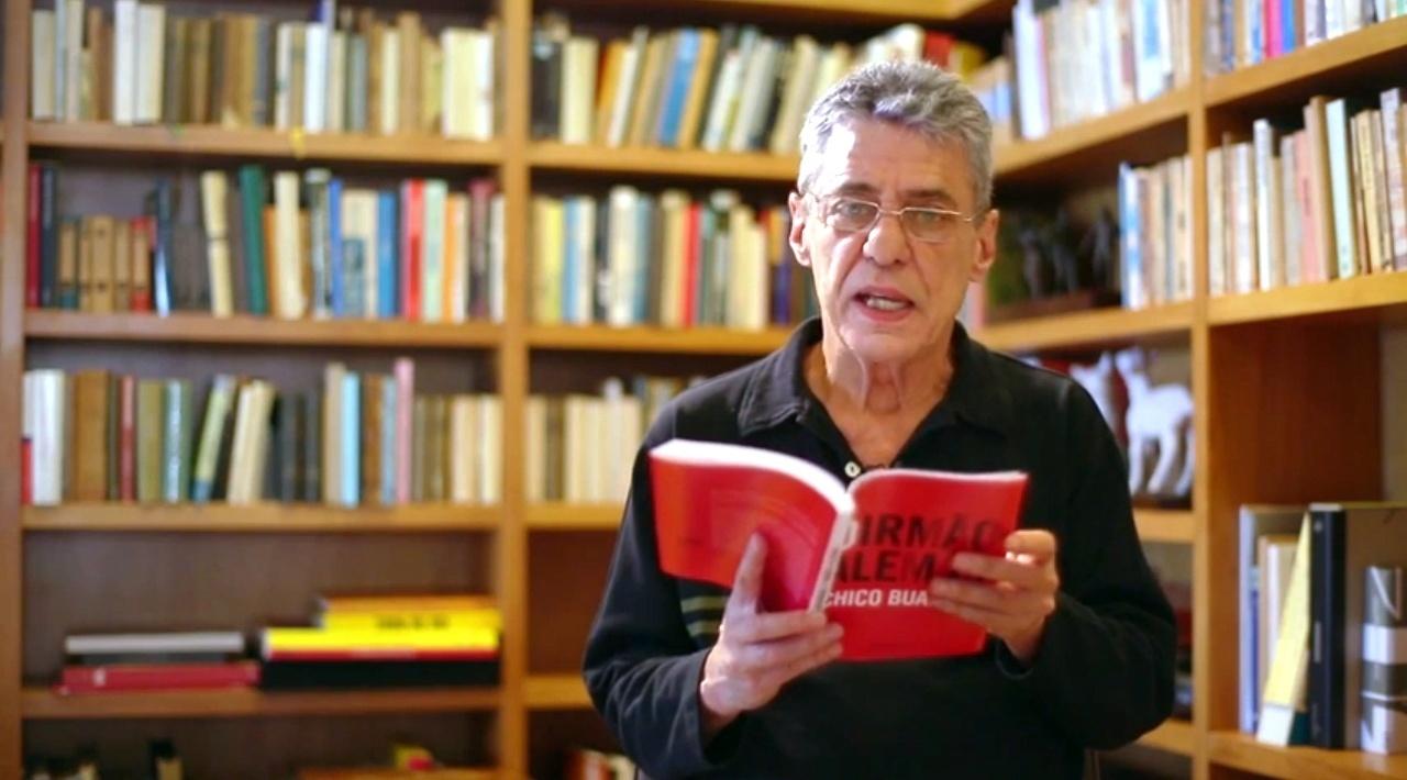 Chico Buarque lê trecho de seu livro inédito: