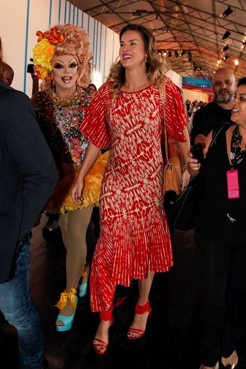4.nov.2014 - Letícia Birkheuer no segundo dia de desfiles da São Paulo Fashion Week