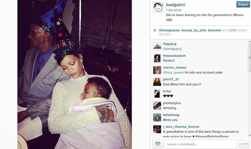 4.nov.2014 - Rihanna posa com o sobrinho em foto publicada no Instagram