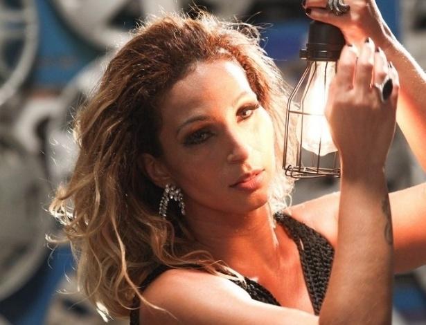 5.nov.2014 - Valesca Popozuda grava o clipe da música