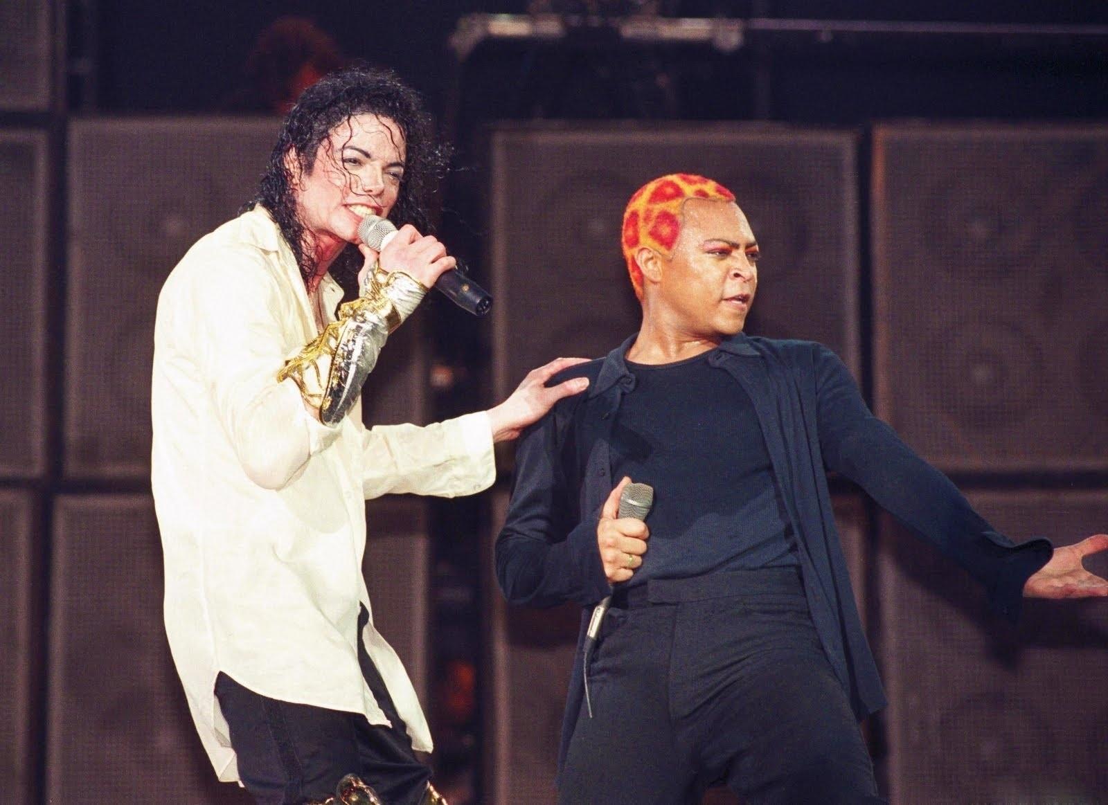 Michael Jackson e LaVelle Smith Jr., em show nos anos 1990