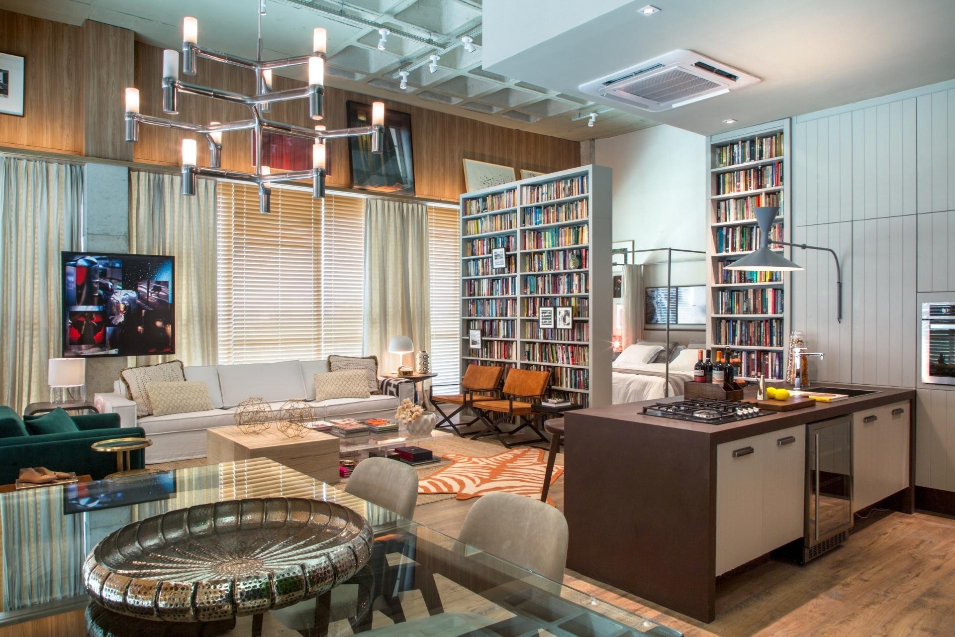 . No projeto as salas de estar e jantar estão conectadas à cozinha  #995E32 1920 1280