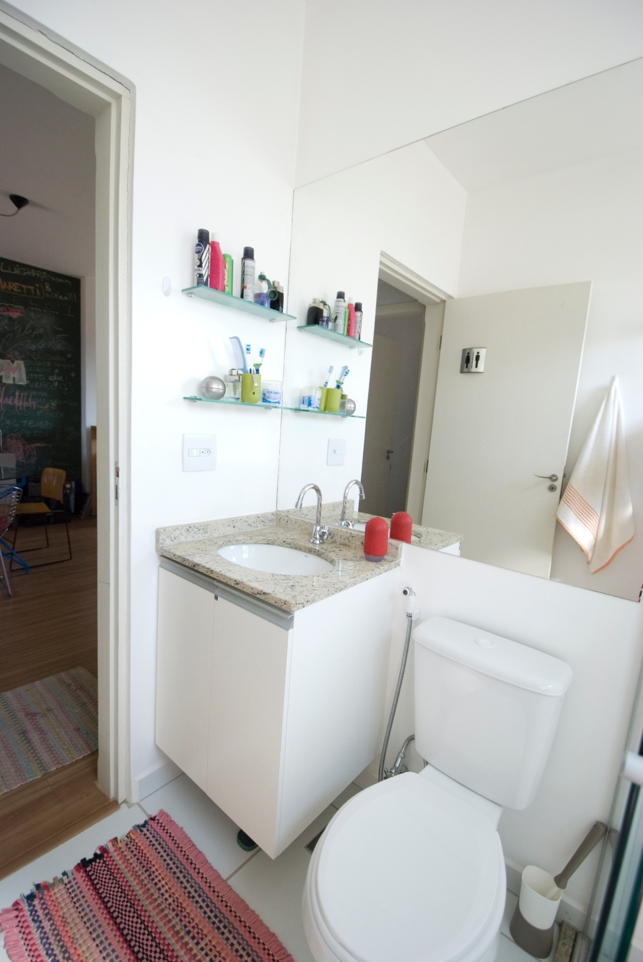 Espelho Banheiro Grande  gotoworldfrcom decoração de banheiro simples de pobre -> Banheiro Decorado Com Gabinete De Vidro