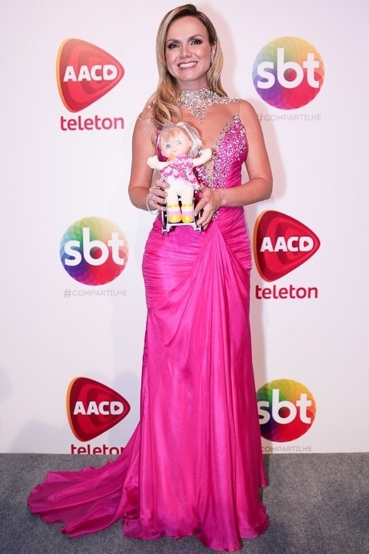 7.nov.2014 - Pelo segundo ano consecutivo, Eliana é a madrinha do Teleton 2014 que pretende arrecadar R$ 26 milhões de reais em prol da AACD, campanha iniciada na noite desta sexta-feira