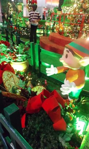 grama sintetica para jardim em curitiba:Shoppings de SP já apresentam decoração especial de Natal; veja