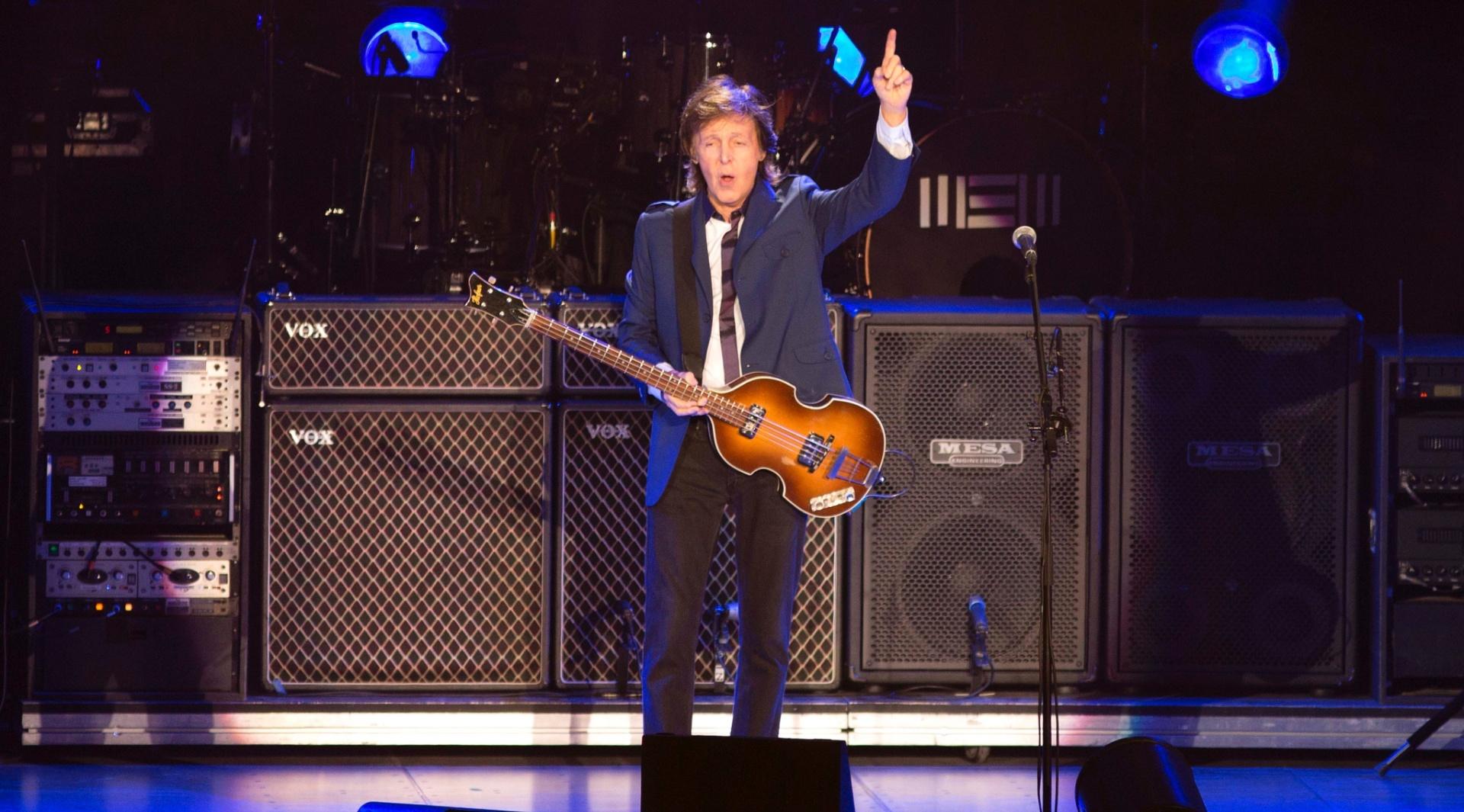 12.nov.2014 - Paul McCartney se apresenta no HSBC Arena, no Rio de Janeiro, e toca canções de seu álbum solo mais recente,