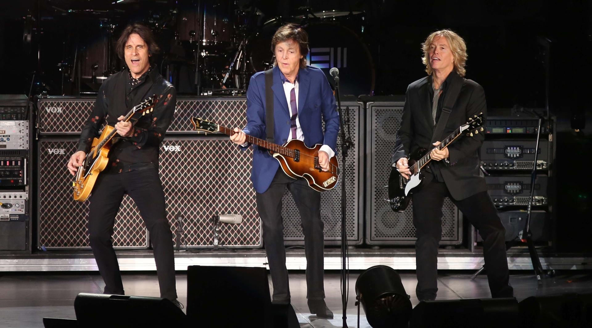 12.nov.2014 - Paul McCartney se apresenta no HSBC, no Rio, no segundo show da nova turnê brasileira