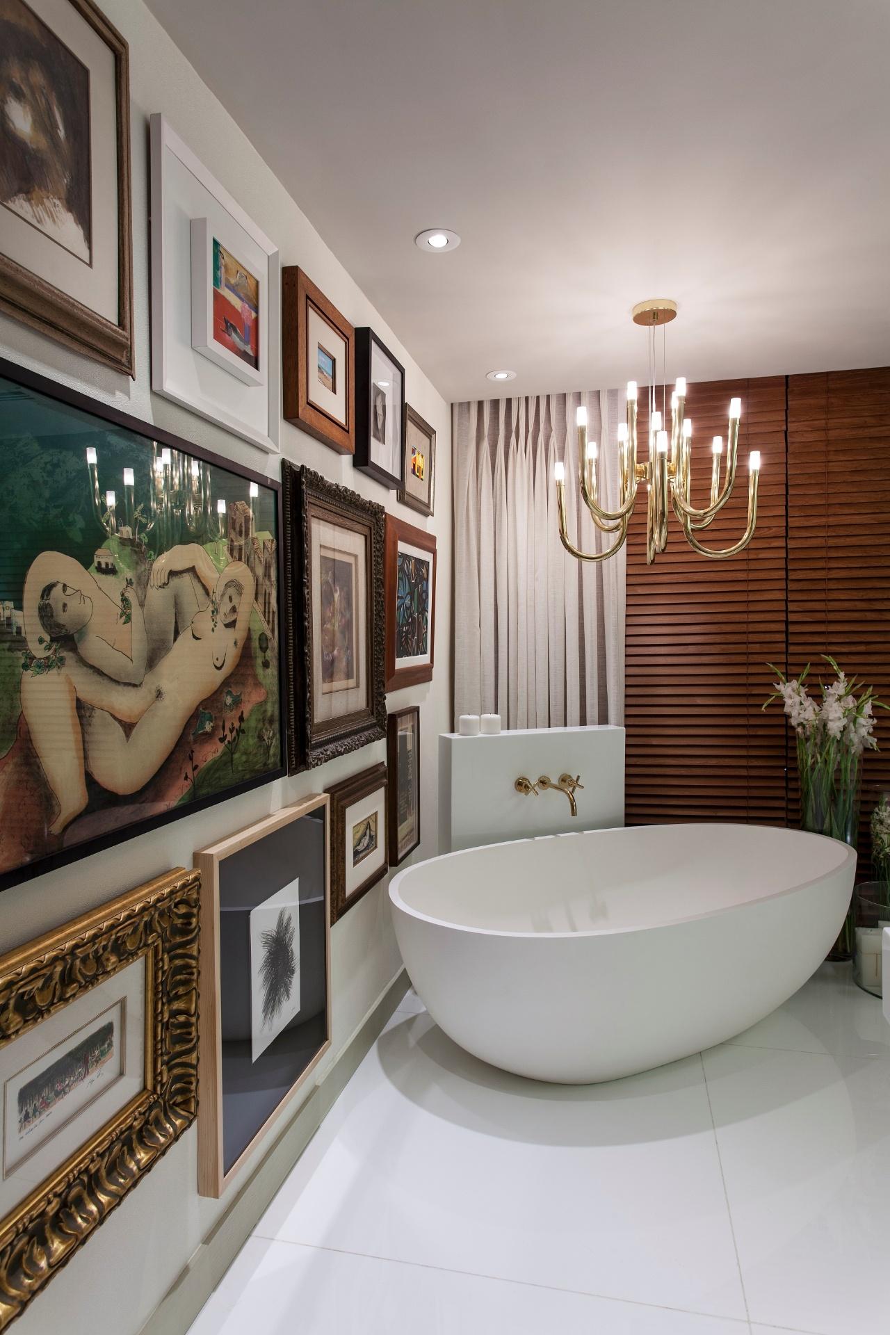 Imagens de #67432E em mármore assegura a atmosfera de requinte e elegância ao banheiro  1280x1920 px 3610 Banheiros Sofisticados Fotos
